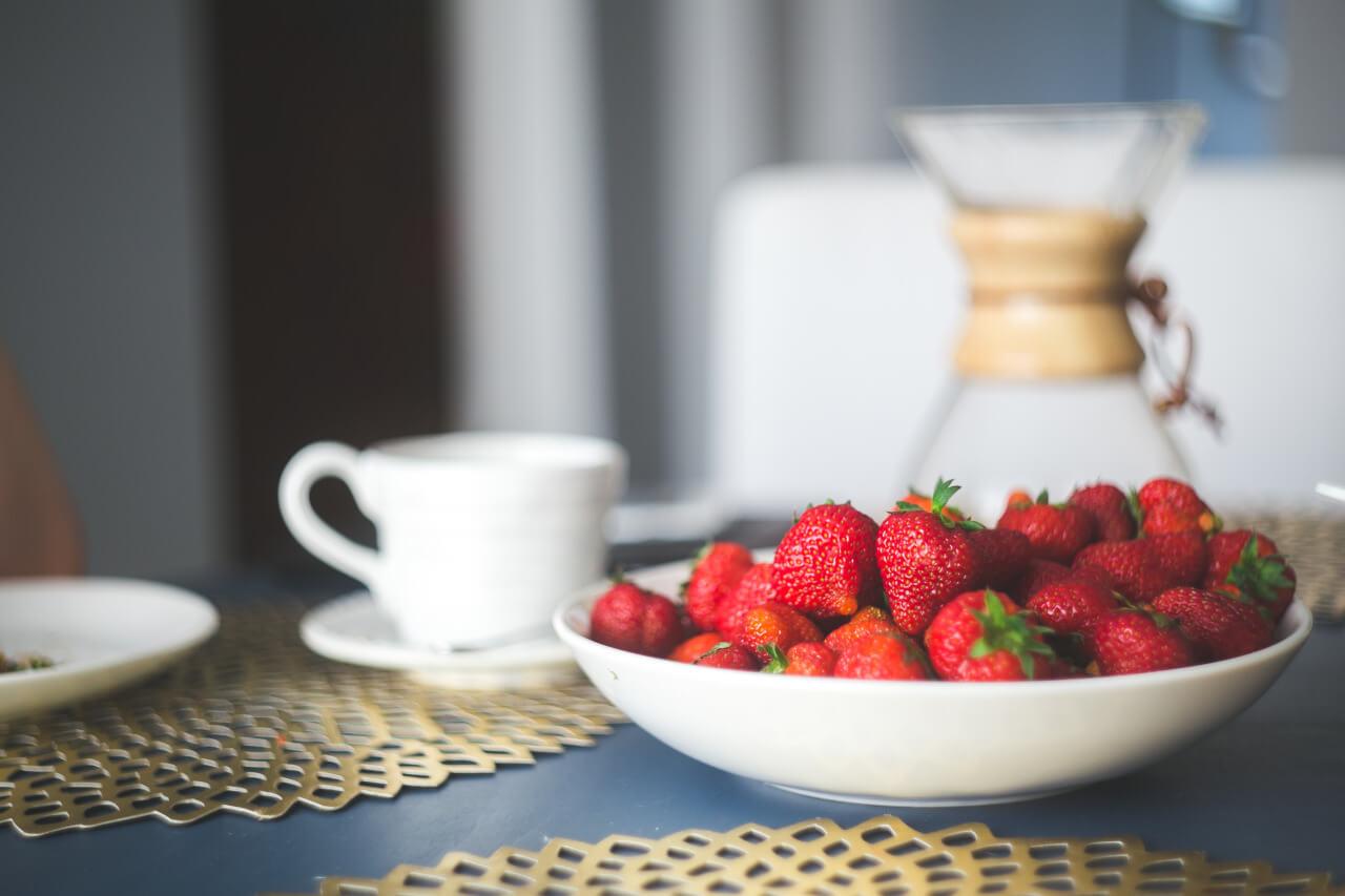 Летний торт со свежими ягодами