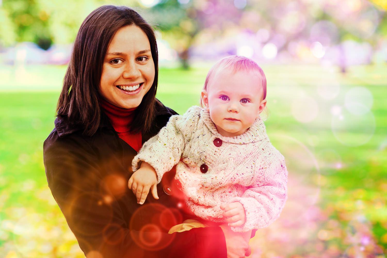 Девушка с ребёнком