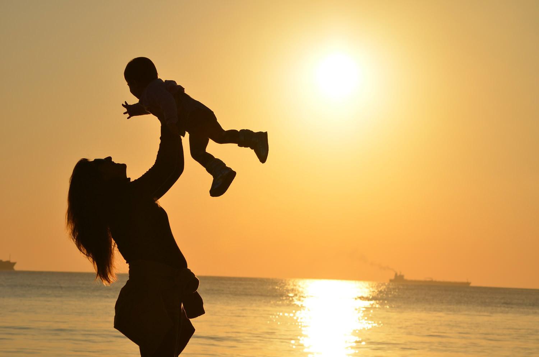 что делать после беременности? мама с ребёнком