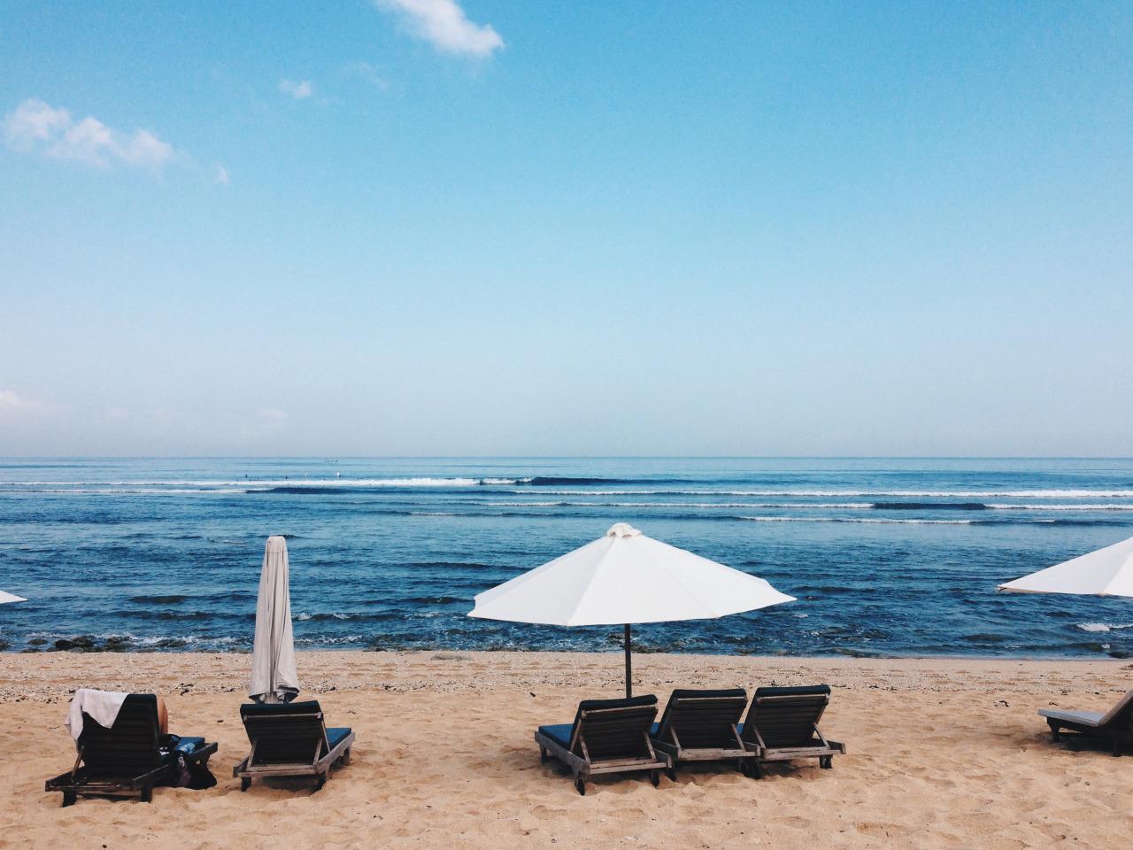 путешествие по европе, пляж и мало туристов