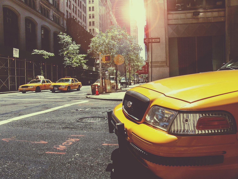 Жёлтое такси. Город
