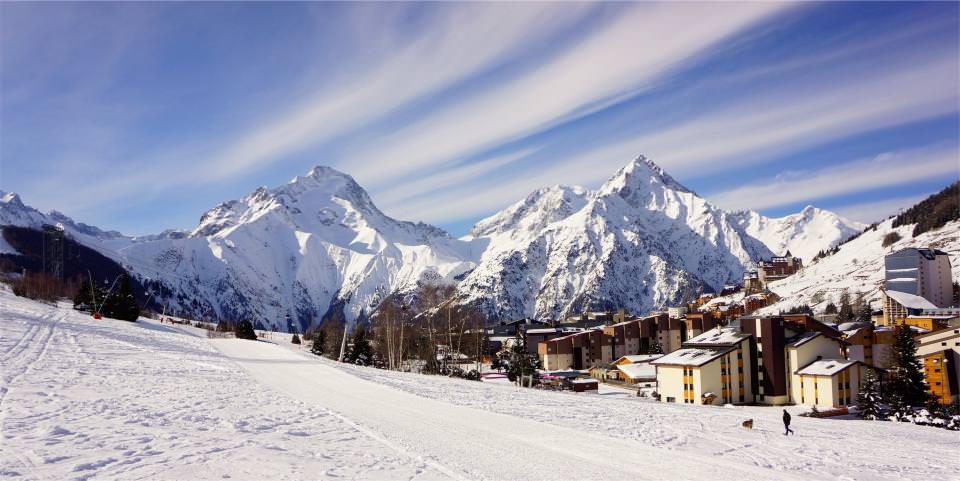 зимняя сказка. горнолыжный курорт.